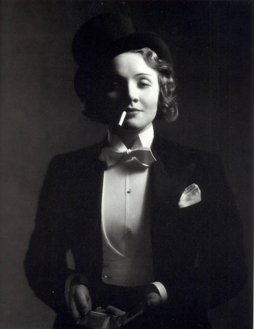 Marlene Dietrich Annex2: CAMARA DIA HOLLOWAY